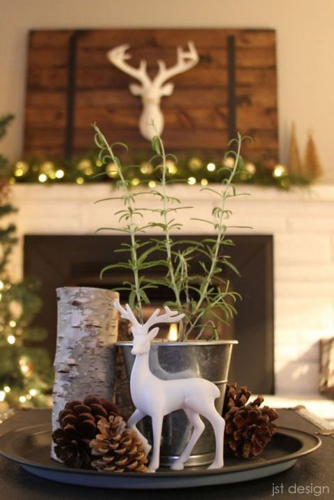 50 Best Christmas Table Decorations For All Your Holiday Parties Christmas Centerpieces Christmas Table Decorations Christmas Decorations For The Home