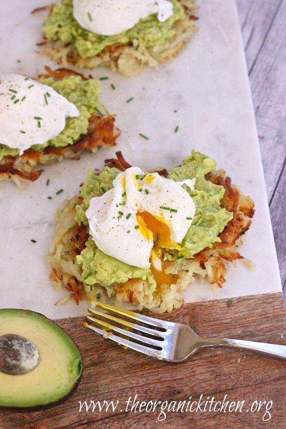 "Potato Avocado ""Toast"" with Perfectly Poached Eggs #whole30"