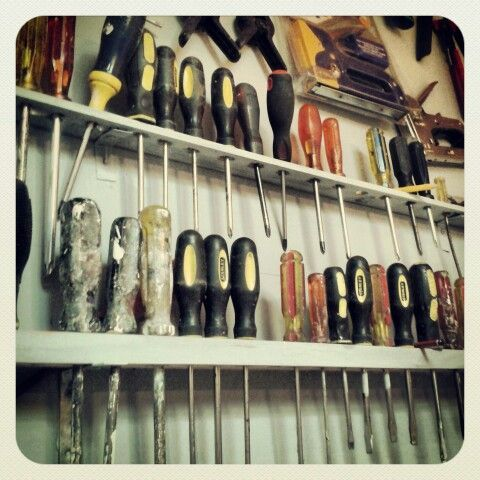 Great ideas for diy your garage or garages :) http://garagestorageideas.net/how-to-use-all-the-space-in-our-garage/