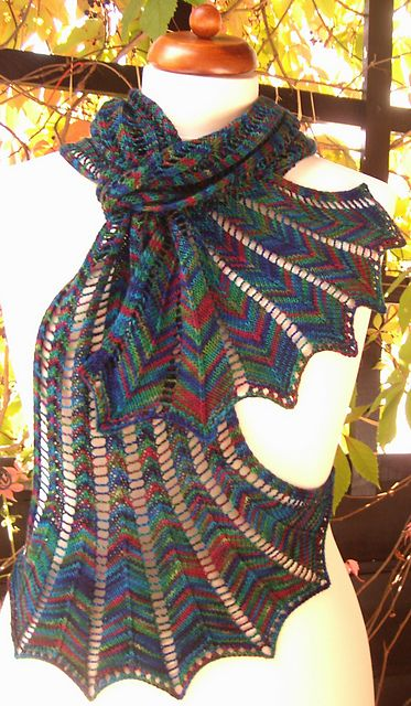 Knitted Scarf Patterns With Variegated Yarn : Beautiful, Chevron scarves and Ravelry on Pinterest