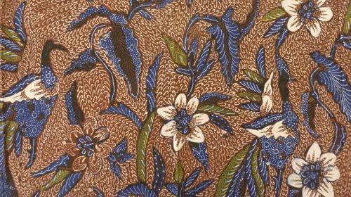 Proses pembuatan kain rangrang Bali dimulai dari pemilihan sketsa