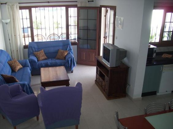 Villa with a Pool  - 2 Bed Villa for rent in Puerto del Carmen Lanzarote sleeps up to 6 from £415 / €500 a week