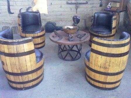 Decoracion interiores muebles con barriles de vino muy - Decoracion con muebles antiguos ...
