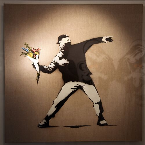 Love is in the air - Banksy
