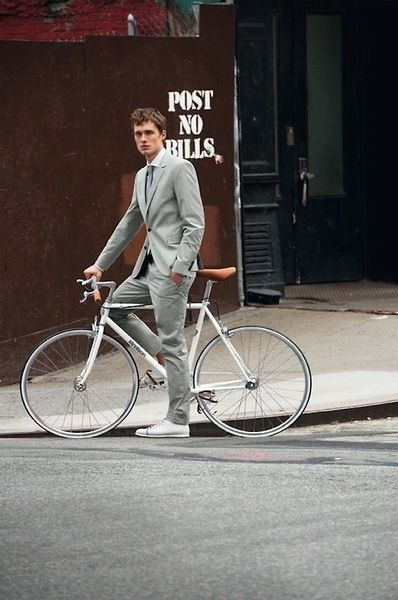 Haute Bicycle Lookbooks : strellson x bianchi