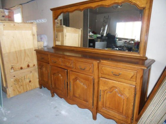 magnifique bahut antique en ch ne massif buffets. Black Bedroom Furniture Sets. Home Design Ideas