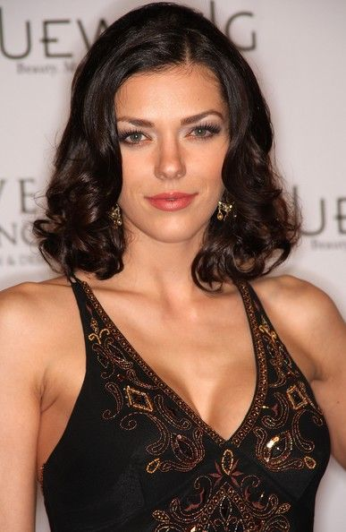 Poshly exhilarating Adrianne Curry ...  A la mode Hairstyles...   Curry's runway shows include Anne Bowen Spring 2005, Jamie Pressly, Pamela Anderson's line, Ed Hardy, Von Dutch, and Christopher Deane.