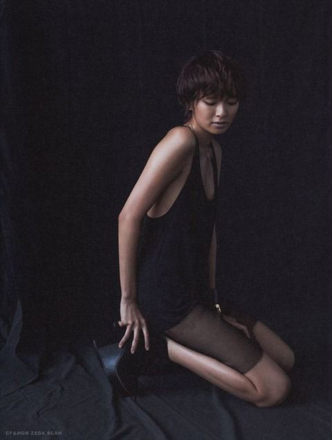 榮倉奈々ショートカットにかっこいい水着姿の画像