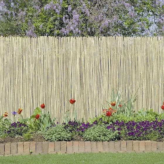 How To Make A Chain Link Fence Look Nice Bamboo Fence Garden