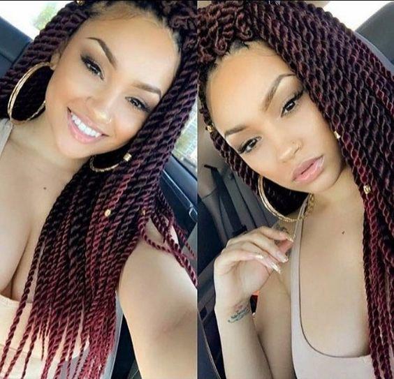 """pelo natural es totalmente """"in"""" de nuevo por las mujeres negras y que significa el regreso de trenzas afroamericanas yalgunos nuevos estilos increíblemente imaginativas! Así que si usted no ha usado un afroamericano trenzas 'antes, debe ver estos magníficos, 21 er miradas del siglo! variedad trenzas afroamericanas rango desde lo lúdico, descarada y casual se …"""