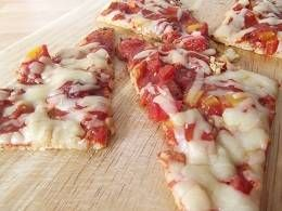 Cauliflower Based Pizza <--- slimming world friendly as this one uses cottage cheese to bind and HEa for the cheese topping! Cool! No excuse now, must try it!   Lose Weight Look Fab