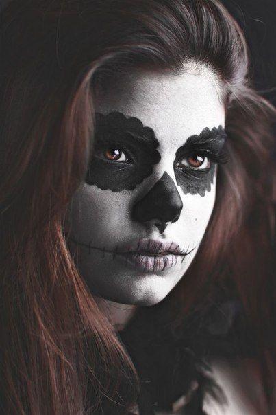 chicas con maquillaje a blanco y negro - Buscar con Google
