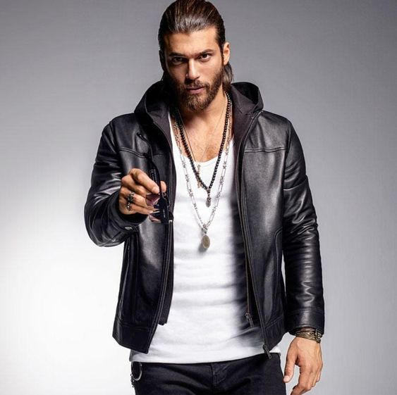 Can Yaman................... 8f51ee979162d69f5f444095cd38a8c9