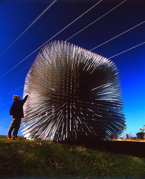 Heatherwick's Barnards Farm Sitooterie, is the newest sculptural and architectural addition to the grounds of the UK's National Malus Collection.