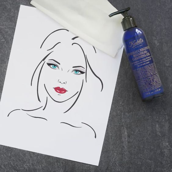 Treat yourself to a spooktacular way to remove your Halloween makeup with Midnight Recovery Botanical Cleansing Oil. -This non-comedogenic cleansing formula leaves skin balanced, soothed and prepared for optimal night-time replenishment. http://bit.ly/MidnightRecoveryCleansingOilPin