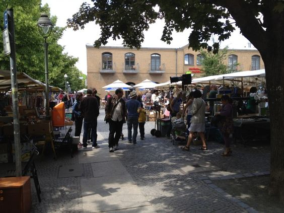 Flohmarkt Marheinekeplatz   Samstag & Sonntag