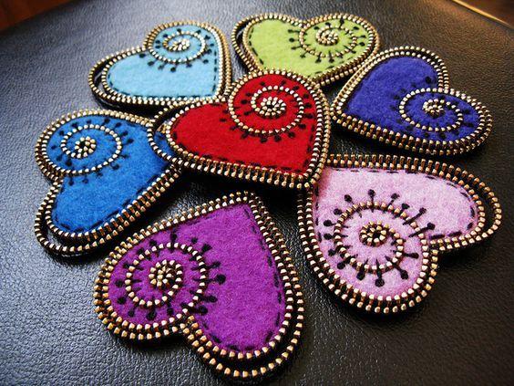 Felt and zipper hearts.: