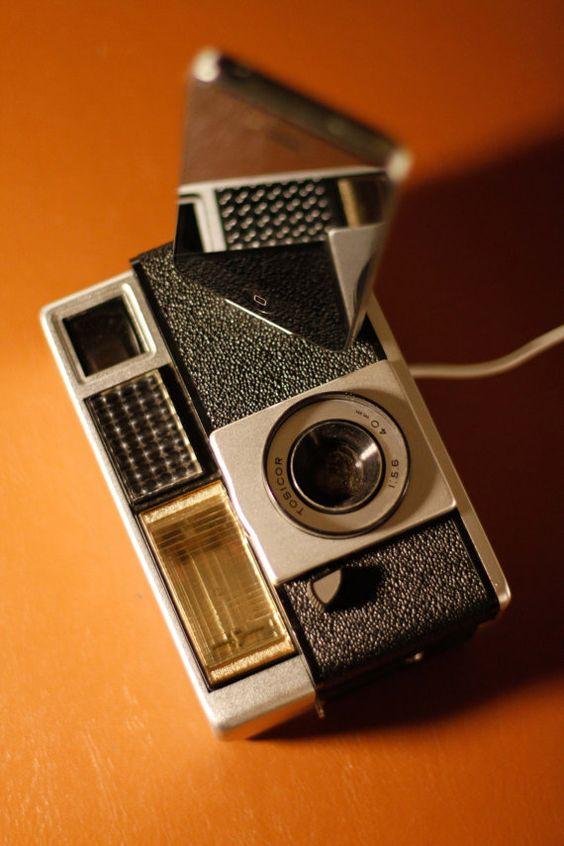 Vintage camera iPod docking station/charger-cool!