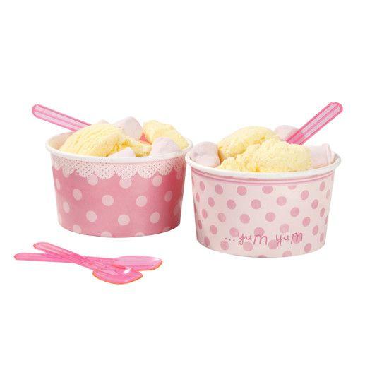 Eisbecher und Suessigkeitenbecher in pink