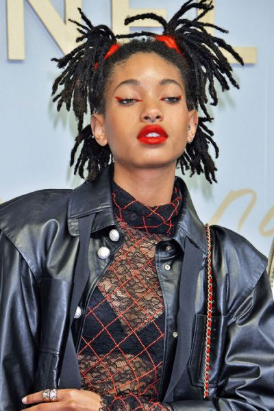 Willow Smith- edgy red eye liner look