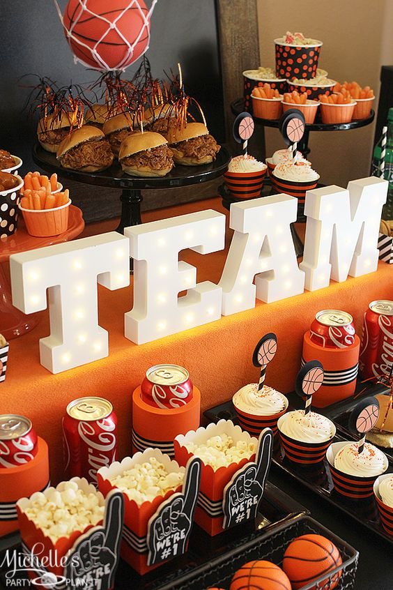 Munch madness say you tables and party ideas for Basketball craft party ideas