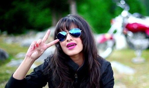 Sajjna Lyrics Teri Pyari Pyari Do Akhiyan Bhinda Aujla Bobby Layal Lyrics Radar Sunglasses Women Round Sunglass Women Round Sunglasses