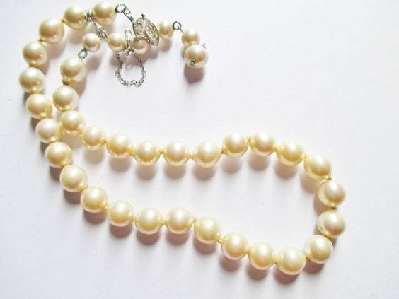 "Vintage VENDOME 8mm Glass Pearl Bead Strand Necklace Rhinestone Clasp 14.5""L  #Vendome #BeadStrandHandKnotted"