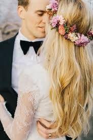 Resultado de imagen de flores en el pelo hippie