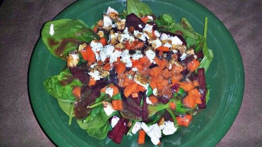 Salad - Organic spinach with chopped organic carrott and fresh Newfoundland grown beet. Drizzled with an homemade balsamic honey dressing and full spectrum olive oil. Topped with goat cheese. Oh so good! #OrganicWeek.
