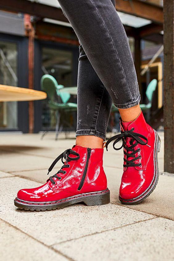 26% Rabatt auf alle Schuhe & Taschen im Rieker Shop – Black