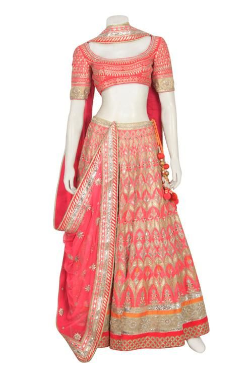 Gorgeous Bridal Lehenga In Peach Color Online In 2020 With Images