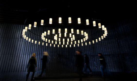 Santa & Cole | Cirio | Contemporary chandelier pendant light by Antoni Arola