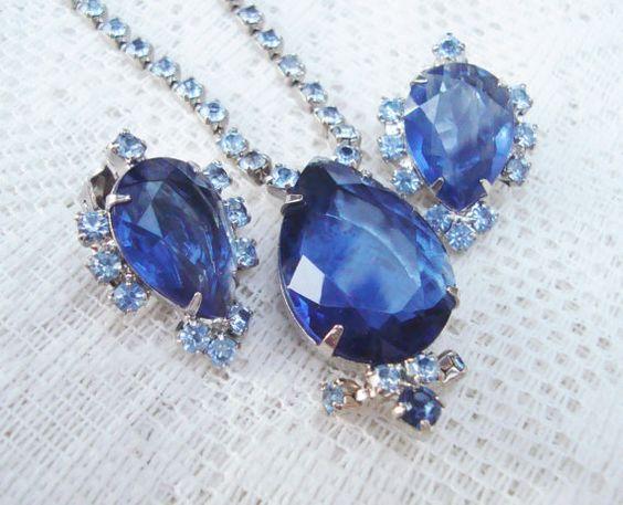 Vintage Rhinestone Necklace and Earrings Light by DimitrijNigodoff