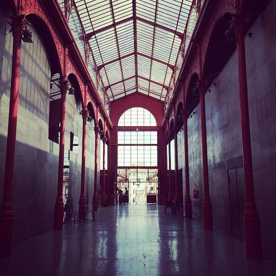 """@oliviasoaps en Instagram: """" #oportostory #antiquelinenbags #theflearocks @thefleashop #oporto"""""""