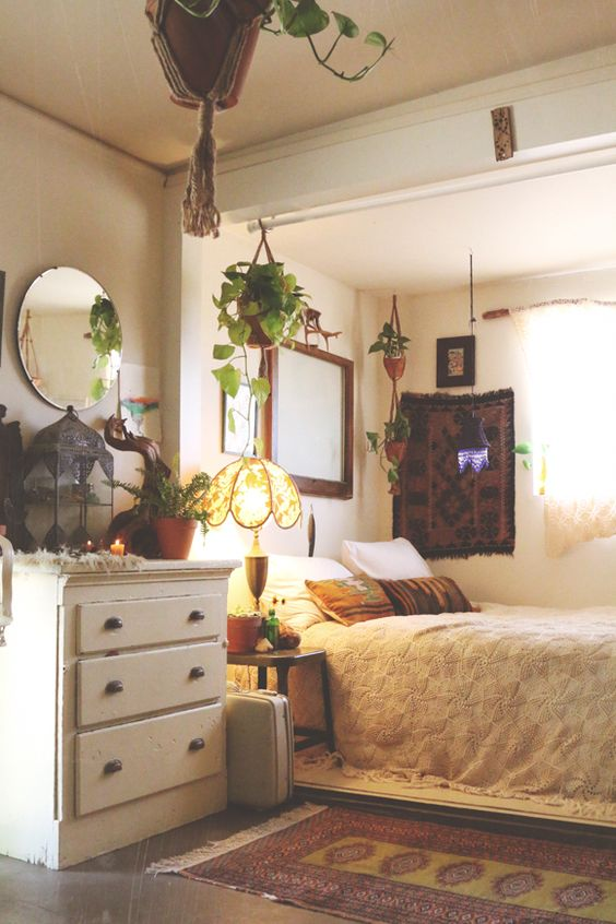 Boho farms and plants on pinterest for Broadway bedroom ideas