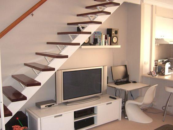 Bajo escalera escaleras pinterest almacenamiento de for Estanteria bajo escalera