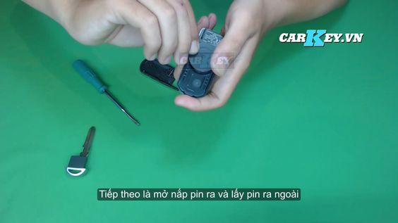 thay pin chìa khóa điều khiển Mazda