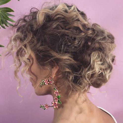 Voluminous Wavy Messy Updo In 2020 Curly Hair Styles Naturally Curly Hair Styles Natural Hair Styles