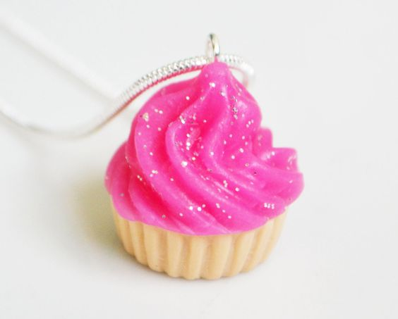 Pink+Cupcake+Necklace+Polymer+Clay+Fimo+by+ClaytimeDesignsUK,+£8.00