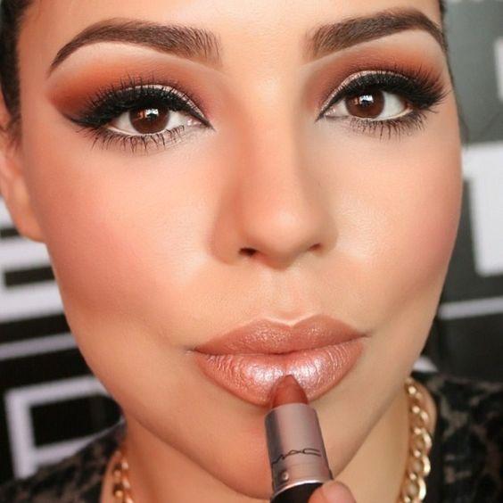 lipstick is #plastique by @maccosmetics