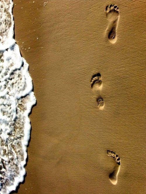 Feet in wet sand...beachy feeling!