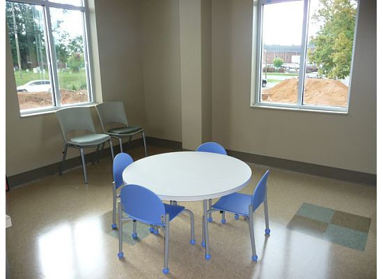 Waiting rooms child room and children on pinterest for Kids waiting room furniture