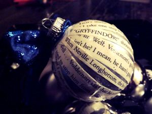 Cover a Christmas ornament with quotes from one of the Harry Potter books to make this stunning ornament!