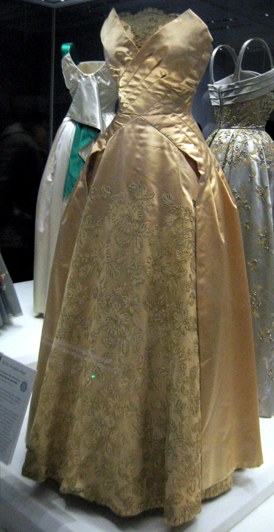 Early 1950s Evening Gown By Norman Hartnell Worn By Queen