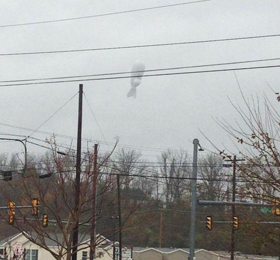 US military blimp floats away, fighter jets scrambled - http://www.dnaodisha.com/world/us-military-blimp-floats-away-fighter-jets-scrambled/5971