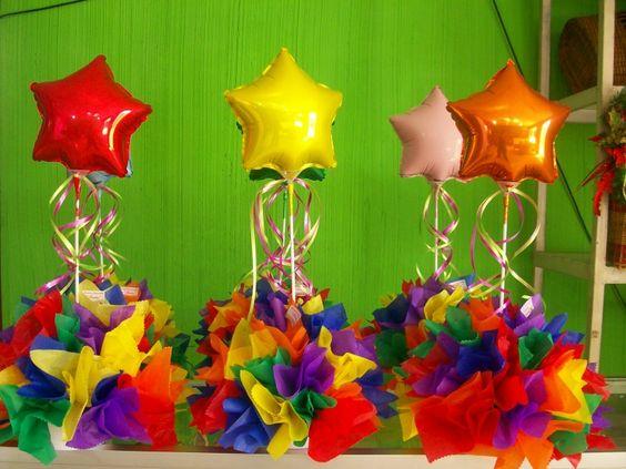 Lindos centros de mesa realizados con globos y papel de - Centros de mesa con globos ...