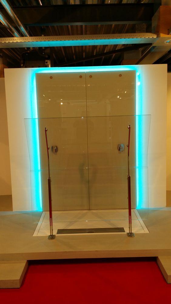 Kleine Badkamer Voorbeeld ~ Strips in een Badkamer  LED Projecten Klanten  Pinterest  Led Strip
