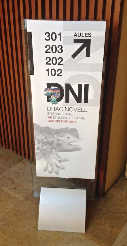 Senyalització. Publicitat Drac Novell Internacional 2013. Facultat de Comunicació Blanquerna. #design #university #Blanquerna #DracNovell