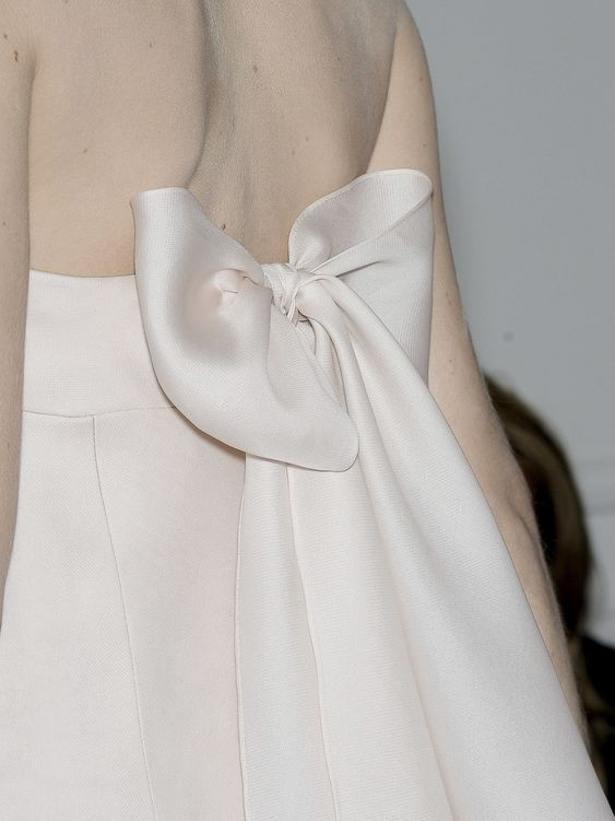 Yo quiero comer perdices contigo.. Valentino Haute Couture Autumn/Winter 2010