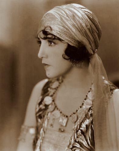 My Love Of Old Hollywood: Bebe Daniels (1901-1971)